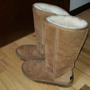 Classic Tall Ugg Boots size8